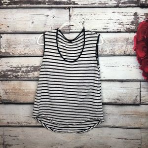 Banana Republic sleeveless linen muscle womens tee